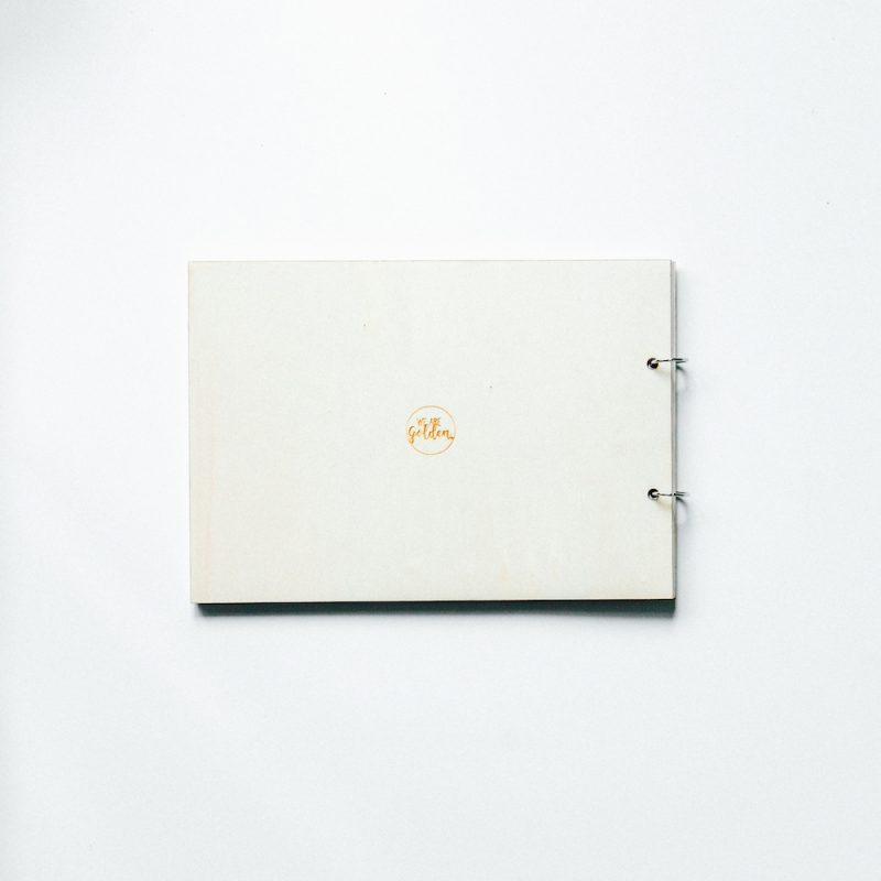 houten gastenboek vlag