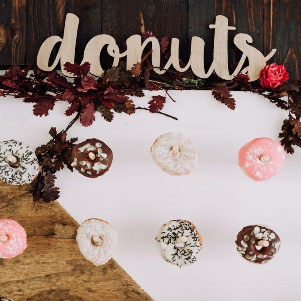 Houten Tekst Donuts