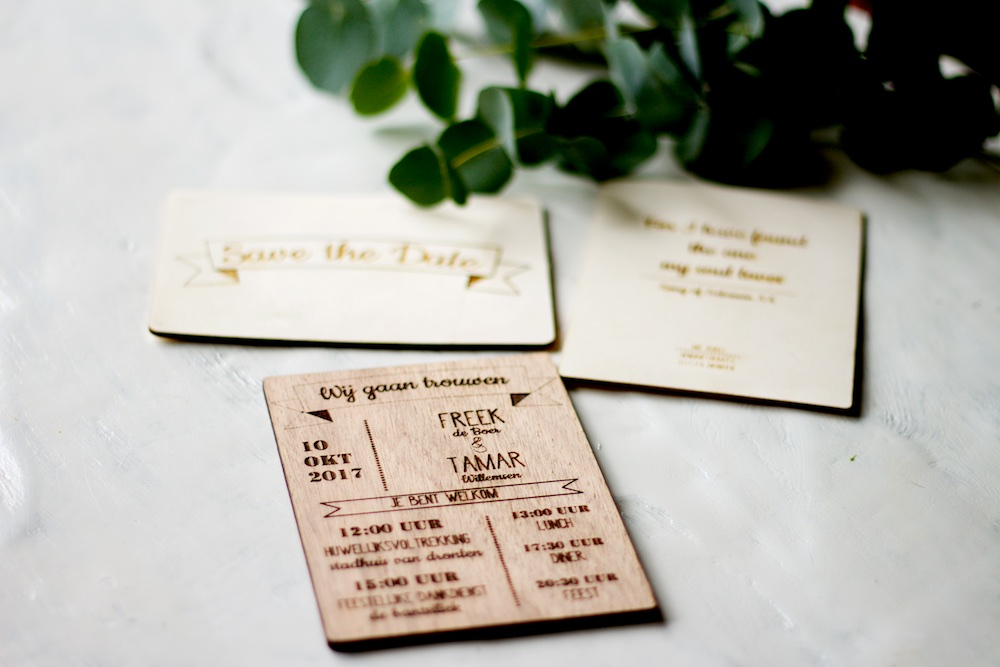 houten trouwkaarten