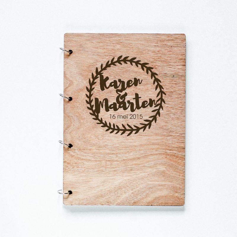 Gastenboek hout Krans