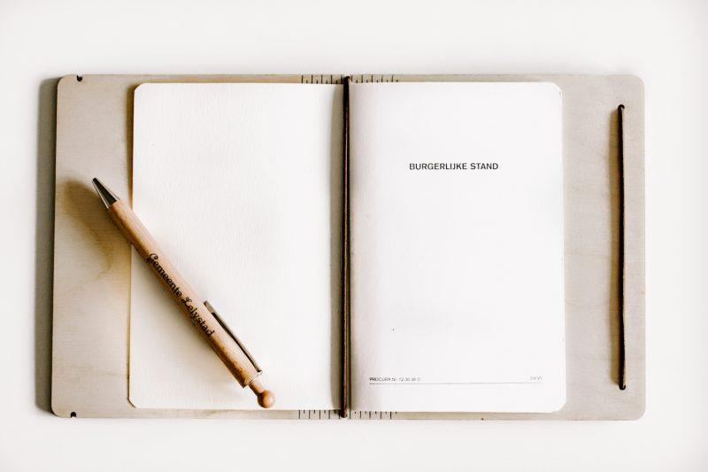 Houten Trouwboekje