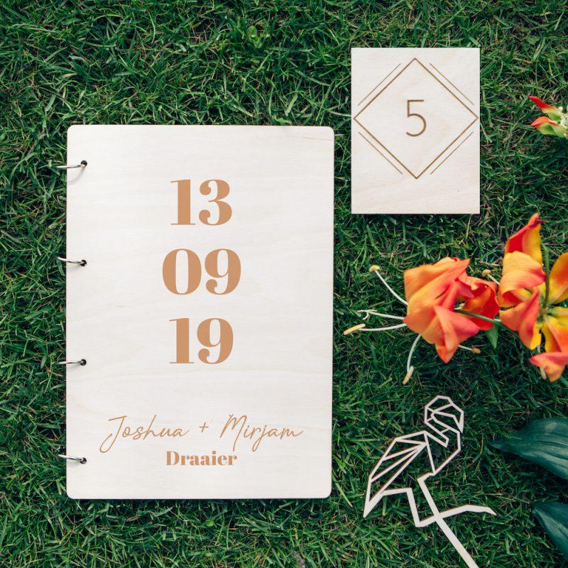 Houten Gastenboek Datum