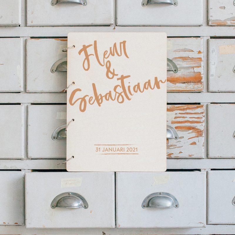 Gastenboek Hout Brush Voornamen