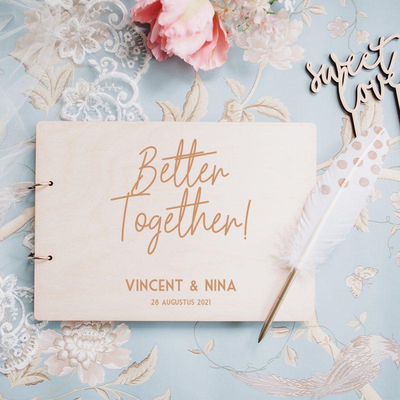 Houten Gastenboek Better Together