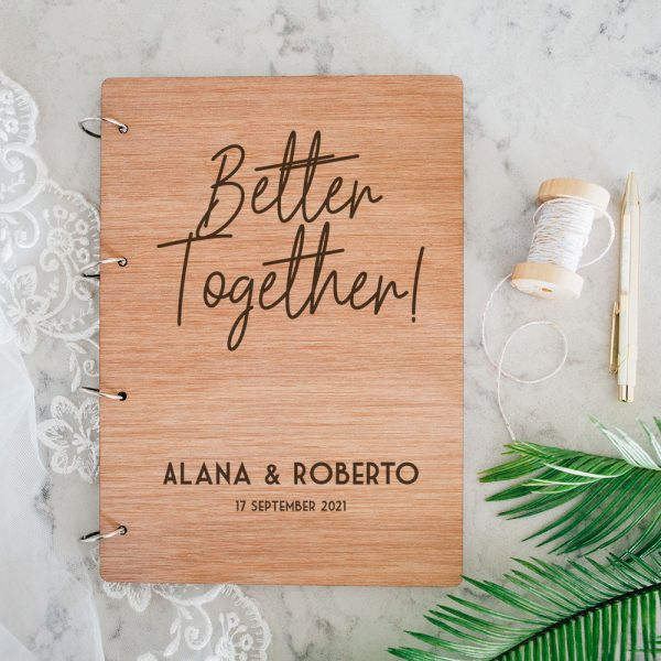 Houten Gastenboek Better Together