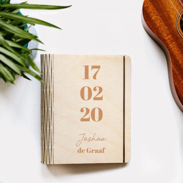 houten omslag cb boekje datum