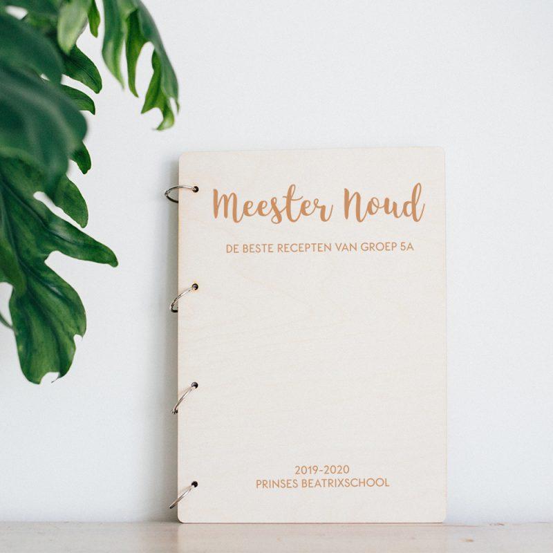 Houten receptenboek Meester & Juf2