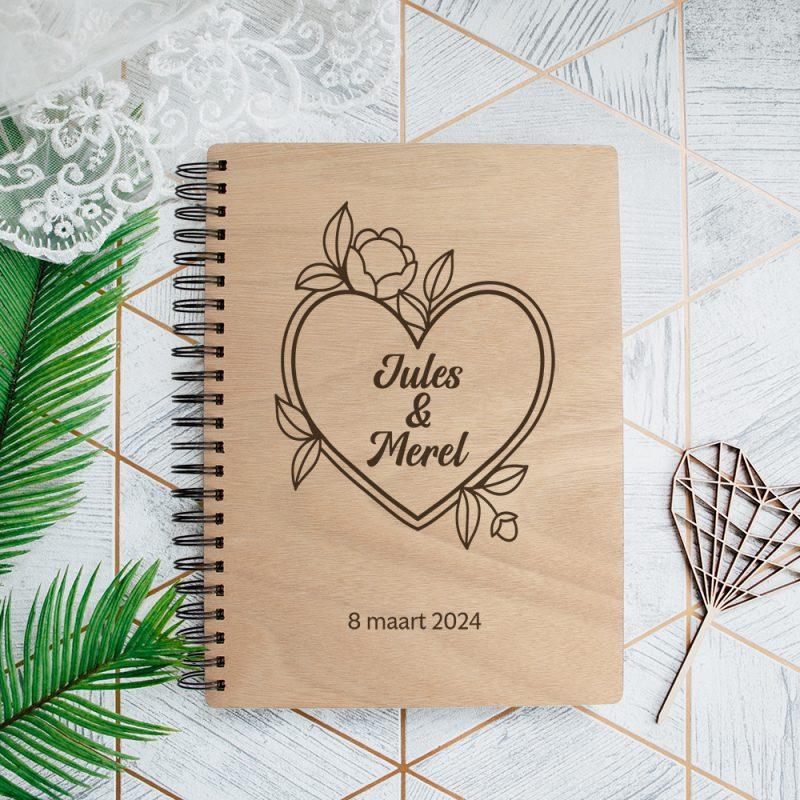Gastenboek Hout Bloemen Hart