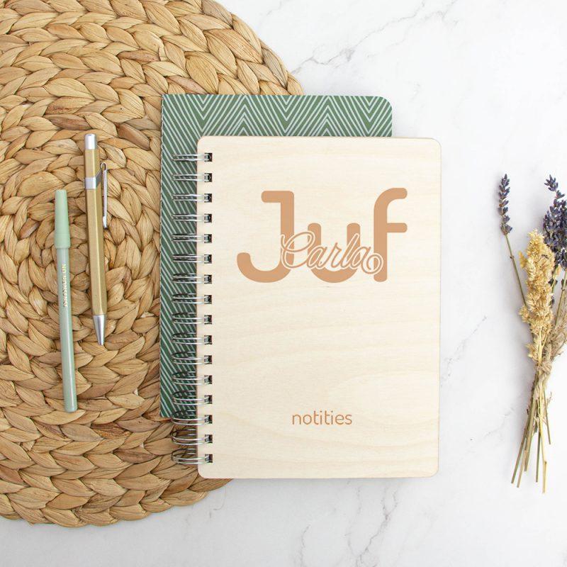 Houten Notitieboek Juf / Meester - Naam
